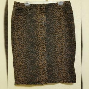 Jeanology animal print skirt